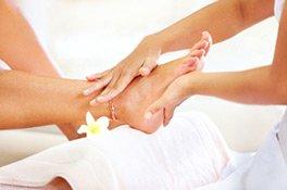 Eine Pediküre sorgt für gepflegte Füße