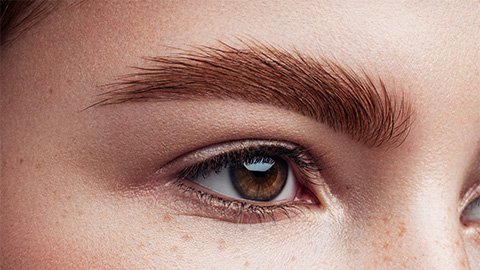 gestylte Augenbrauen