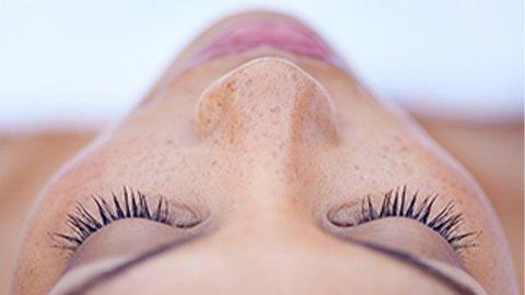 Przygotuj makijaż oczu