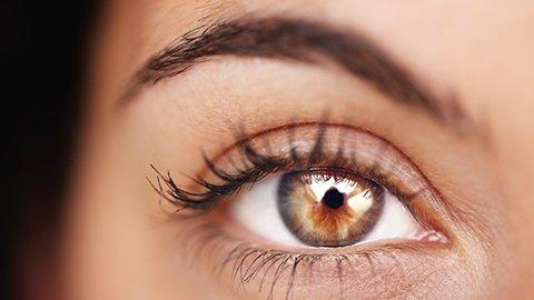 helbraunes Auge