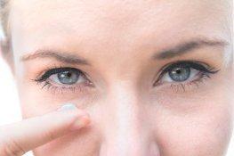 Cristina testet das Biotherm Aquasource Total Eye Revitalizer Augengel