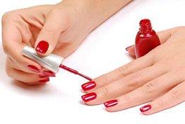 Roter Nagellack passt immer