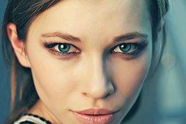 blaue Augen schminken und betonen