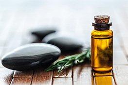 Massageöl und Massagesteine