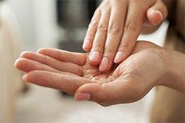 Zwei gepflegte Hände