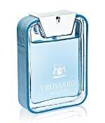 Der ikonische Flakon zum Trussardi Blue Land Parfum
