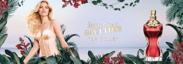 Frau mit Jungle-Blättern und Flakon von Jean Paul Gaultier Damenparfum